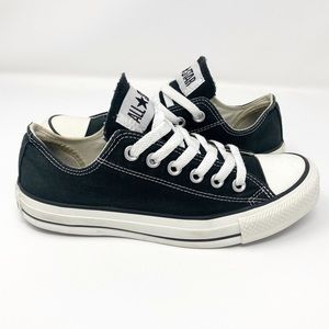 CONVERSE CHUCK TAYLOR ALL STARS | Size 6.5